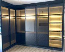 Hệ khung cửa treo màu đen Bề mặt kính màu xám