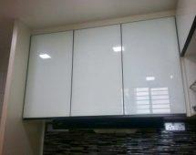 Hệ khung 1280 sơn tĩnh điện màu đen Bề mặt kính sơn màu trắng