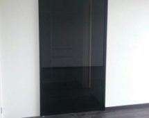 Frame G6 powder coated black Black tinted glass surface
