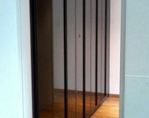Hệ khung 250H sơn tĩnh điện màu đen Bề mặt kính sơn màu đen