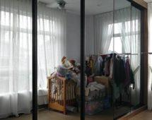 Hệ khung G12 sơn tĩnh điện màu đen Bề mặt kính gương với đường viền cạnh