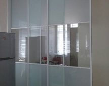 Frame G6 white color Frosted glass surface Triple bottom track